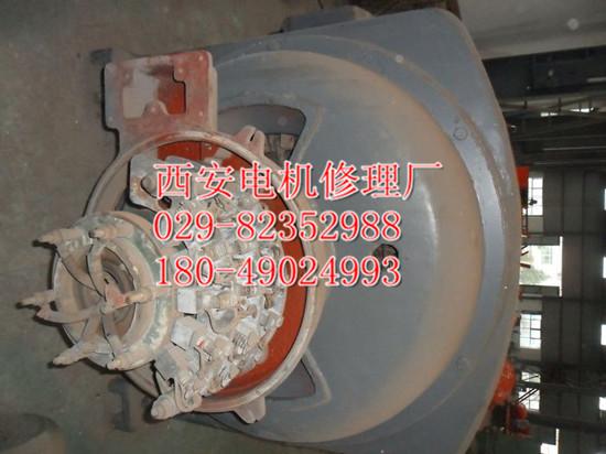 联系电话:029-82352988 18049024993 JR1512-6 780KW 10KV广泛应用与通风机、压缩机、水泵、破碎机、球磨机、切削机床、运输机械及其它设备,可供煤矿、机械工业、发电厂及各种工矿企业中作原动机用。 JR1512-6 780KW 10KV型号含义 本系列电动机共分为五个机座号,即11、12、13、14及15号机座。 例如: (1)JS147-6表示属笼转子型异步电动机,14号机座,定子铁心长度为7号,6极。 (2)JR147-10表示绕线转子型异步电动机,14号机座,定子铁